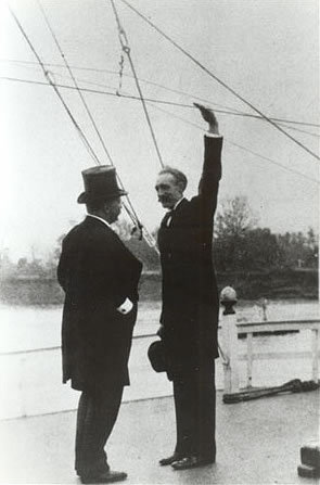 Theodore Roosevelt and Gifford Pinchot, on the steamer <em>Mississippi</em>, 1907